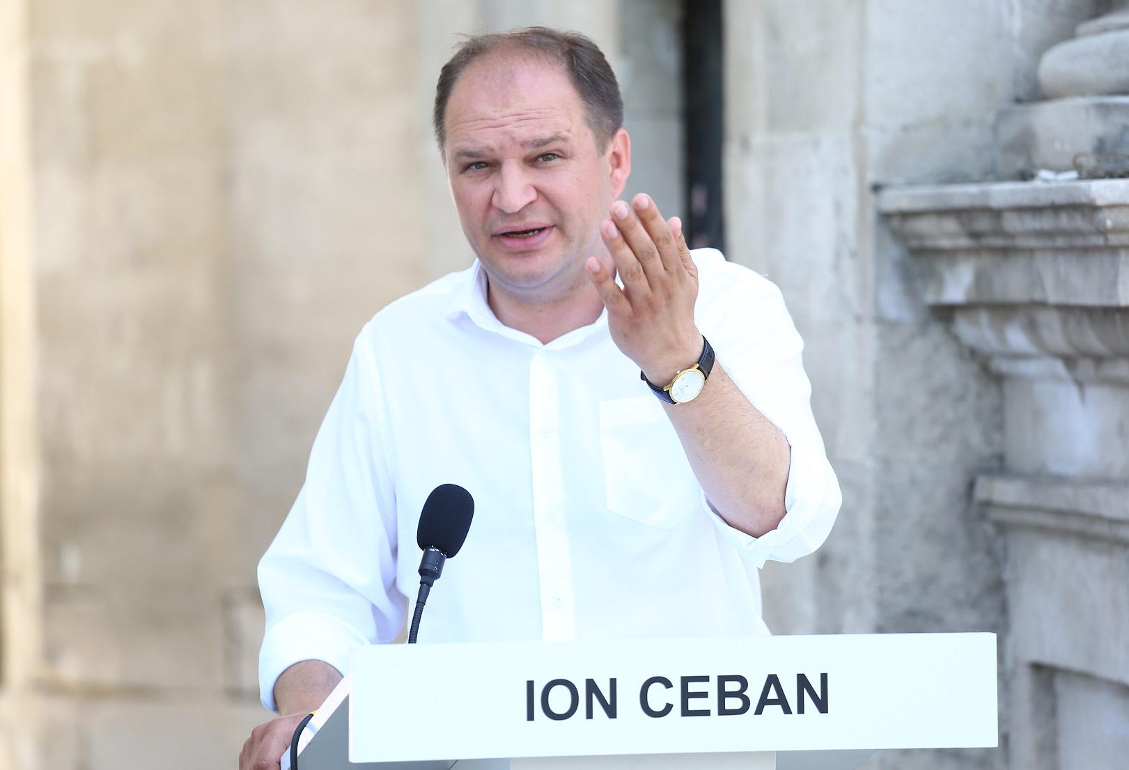 Чебан – Нэстасе: Вам нужна примэрия, чтобы попасть в парламент, а я ушел из парламента в примэрию (ВИДЕО)