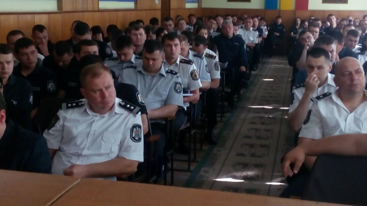 За порядком на выборах в Кишиневе будут следить порядка тысячи полицейских