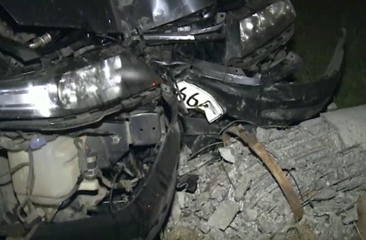 На Рышкановке пьяный водитель снёс столб и сбежал, оставив вместо себя не причастную к аварии знакомую (ВИДЕО)