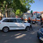 ДТП в Кишиневе с участием мотоцикла: водитель доставлена в больницу (ФОТО, ВИДЕО)