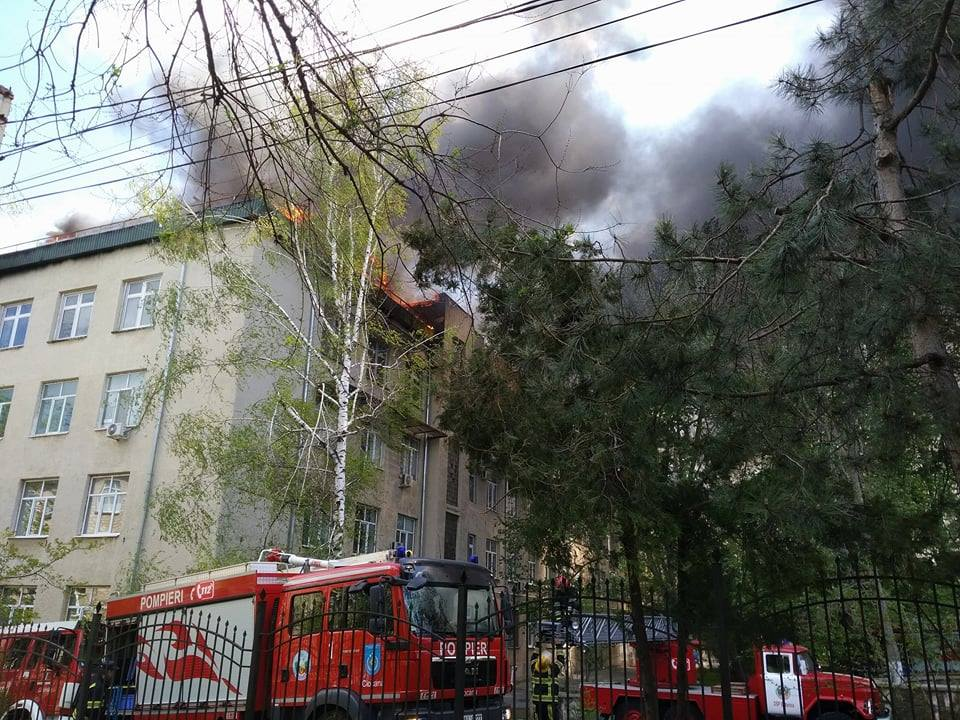 Установлено: виновными в пожаре в здании Института микробиологии оказались компании-операторы мобильной связи