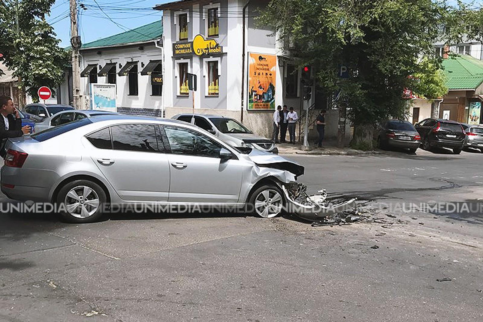 В ДТП в центре Кишинева оказались разбиты два автомобиля (ФОТО)