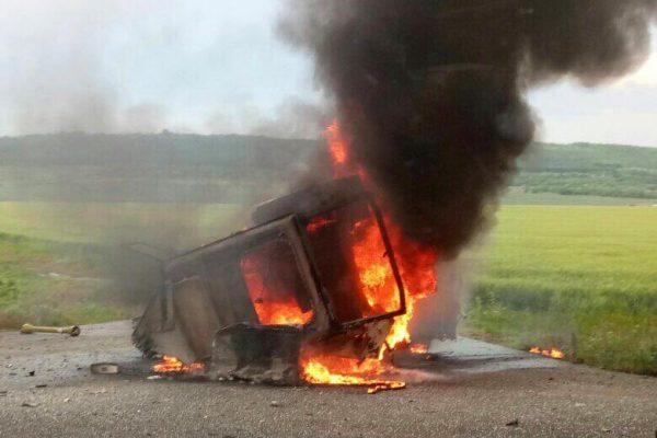 В Гагаузии на ходу загорелся и полностью сгорел трактор (ФОТО)