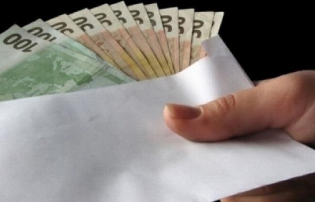 """""""Влиятельные"""" коррупционеры вымогали тысячи евро за помощь в получении румынского гражданства"""