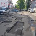 """""""Тетрис"""" на дороге и хаос на тротуарах: как выглядят многие улицы Кишинева"""