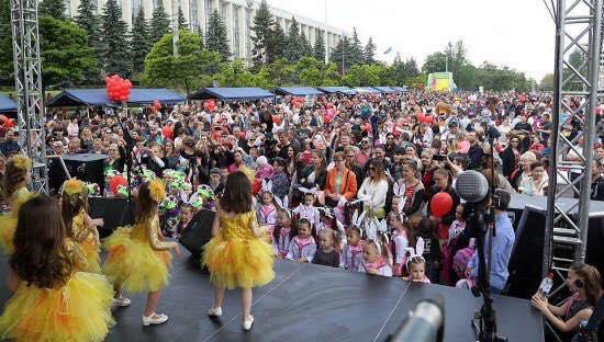 Президент приглашает всех желающих принять участие в Фестивале семьи (ВИДЕО)