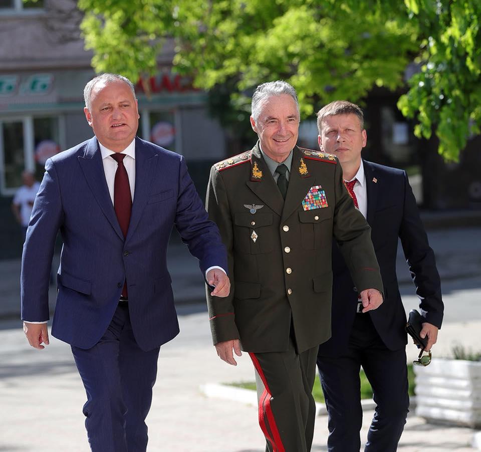 Игорь Додон принял участие в заседании совета Союза Офицеров (ФОТО)