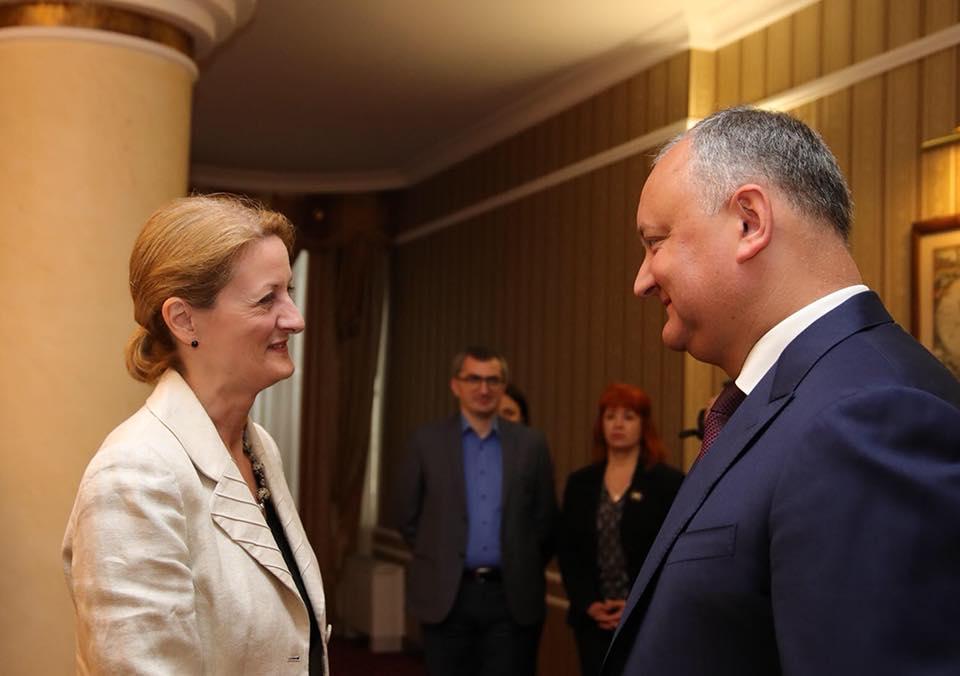 Додон высказался за проведение форумов деловых людей Молдовы и Великобритании