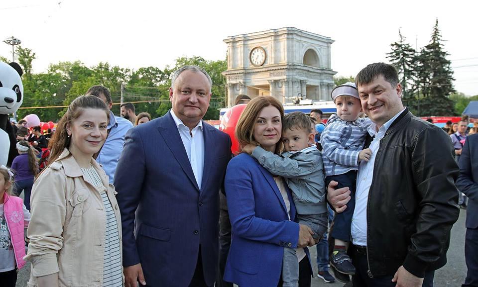 """Грандиозный Фестиваль семьи в Кишиневе прошел на """"Ура!"""" (ФОТО)"""