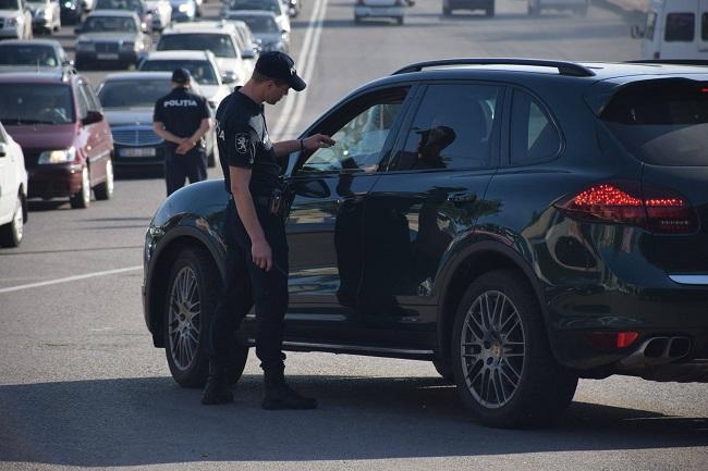 """Результаты операции """"Тень"""": было выявлено 226 нарушений тонировки автомобильных стёкол (ФОТО)"""