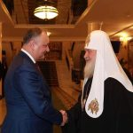 Додон поздравил патриарха Кирилла с днем его именин