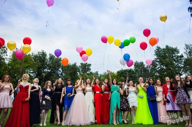 """""""Бал счастья"""": в Молдове стартовала благотворительная акция по сбору нарядов для выпускников школ-интернатов"""