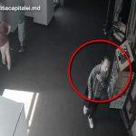Обокравший посетительницу торгового центра молодой человек попал на видео