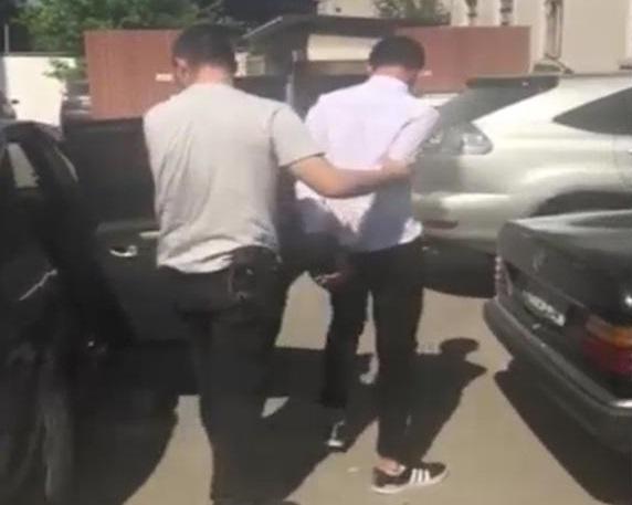 В Кишиневе мошенник обокрал пенсионерку, обманув, что она выиграла квартиру (ВИДЕО)