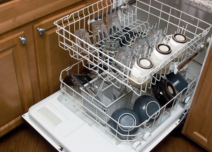 Житель Криулян лишь 4 месяца смог порадоваться работе посудомоечной машины за 10 тысяч леев