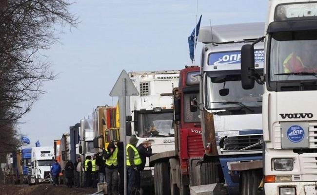 Обыски в Агентстве автомобильного транспорта: 6 человек арестованы по подозрению в коррупции (ВИДЕО)