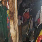 Хозяйка горевшей квартиры-свалки на Телецентре дала согласие на вывоз мусора (ФОТО)
