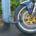 Пьяные охранники украли оставленный без присмотра мотоцикл в Рыбнице