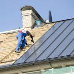 В Дубоссарах во время ремонта с крыши упал мужчина
