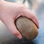 В Бендерах скандалист разбил камнем машину давнего недруга