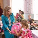 В этом году ранцы с канцтоварами от фонда первой леди получат все первоклашки Молдовы (ВИДЕО)