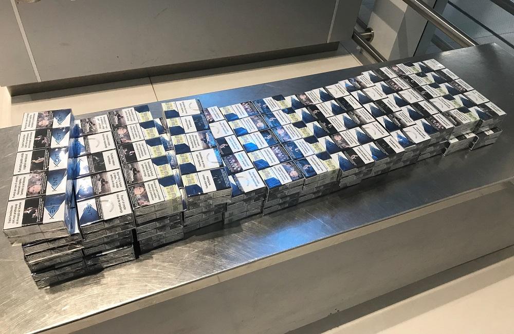 Молдаванин направлялся в Лондон с 500 пачками сигарет (ФОТО)