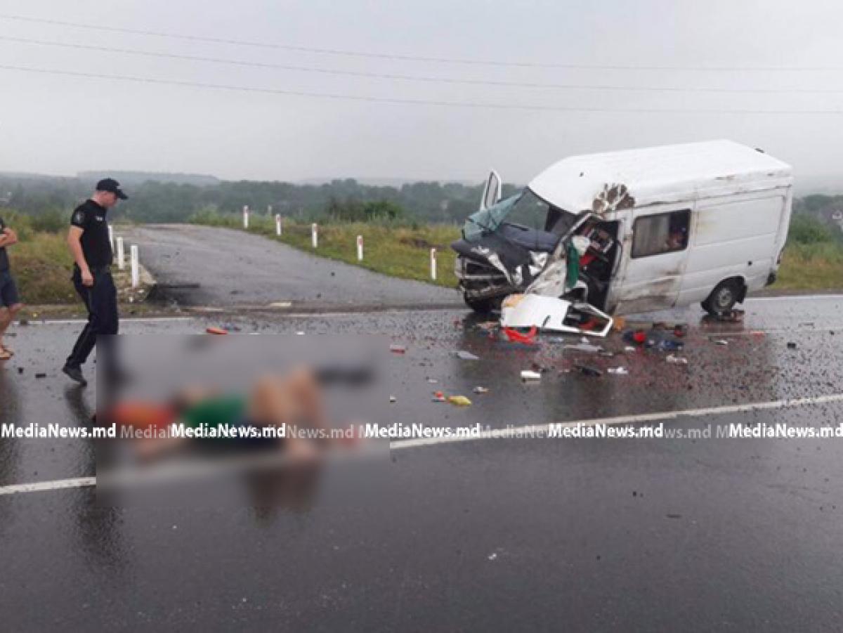 Серьезное ДТП в Сороке: пассажир маршрутки сильно ранен
