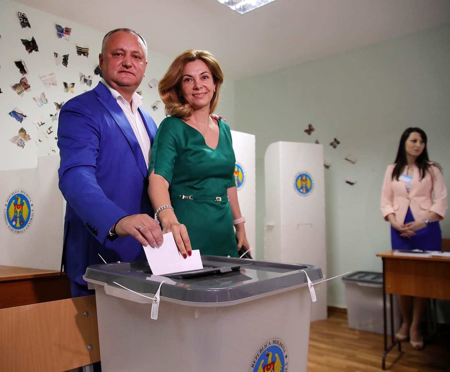 Додон призвал кишиневцев сделать выбор в пользу профессионализма, а не шоу и популизма (ВИДЕО)