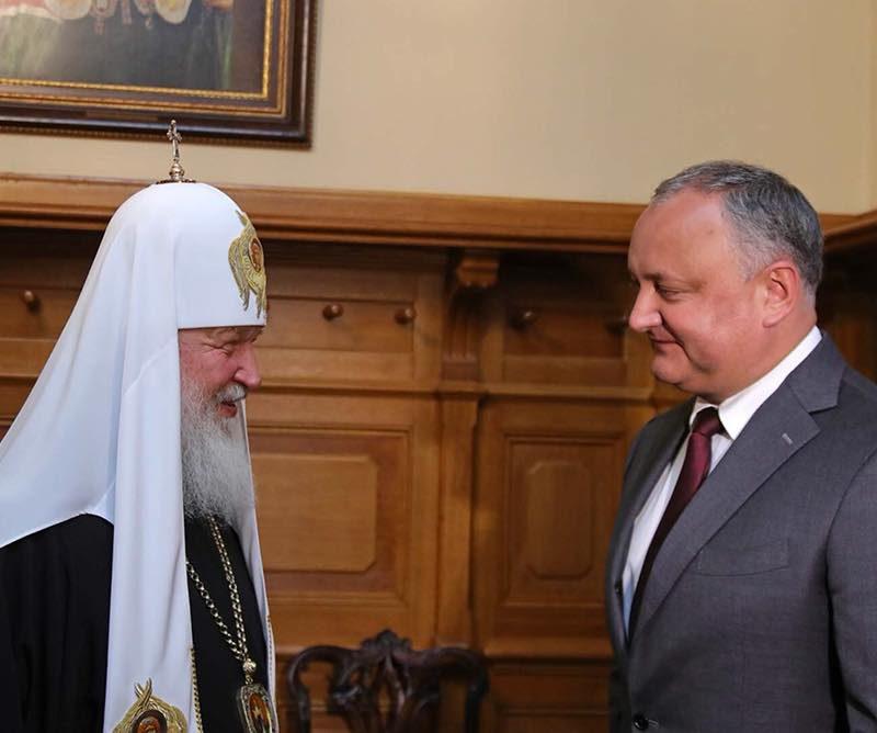 Додон встретился в Москве с Патриархом Кириллом (ФОТО)