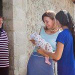 Первая леди пришла на помощь семье с 8 детьми, чья мама недавно скончалась (ФОТО)