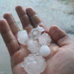Погода резко поменялась: в Яловенах выпал град размером со сливу (ФОТО)