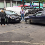 В центре Кишинёва столкнулись сразу три автомобиля (ФОТО)