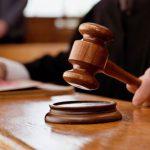 Оштрафованный за продажу просроченных продуктов предприниматель попытался засудить госучреждение