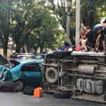 """Серьезная авария в столице: перевернулась """"скорая"""""""