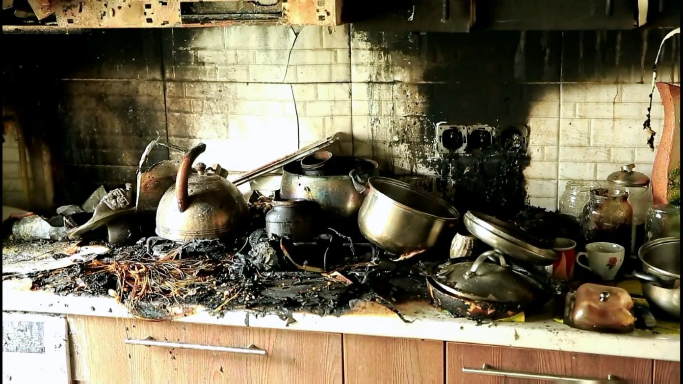 В Кишиневе карабинер спас от смерти мужчину (ФОТО)
