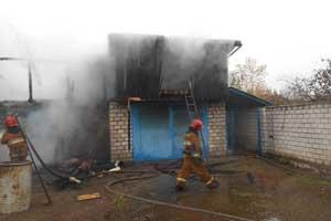 В Рыбнице пожар охватил сарай и гараж частного дома