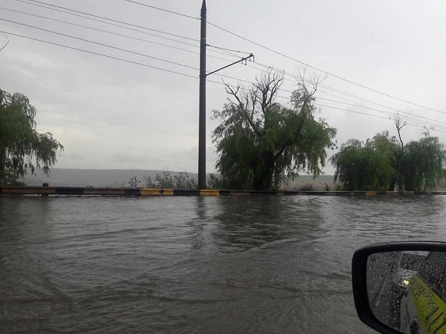 На столичных улицах с риском затопления появятся специальные дорожные знаки (ВИДЕО)