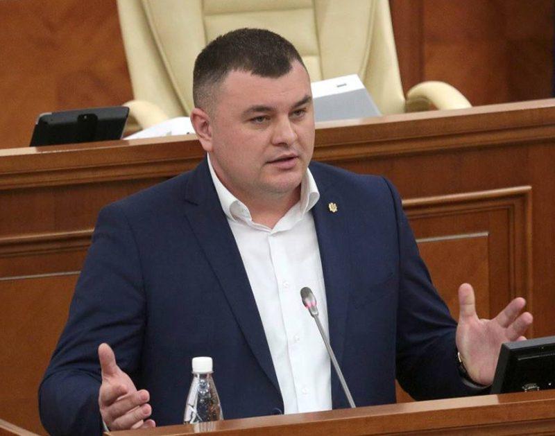 """Вранье и плохое шоу: Новак о попытке """"АКУМ"""" созвать заседание парламента"""