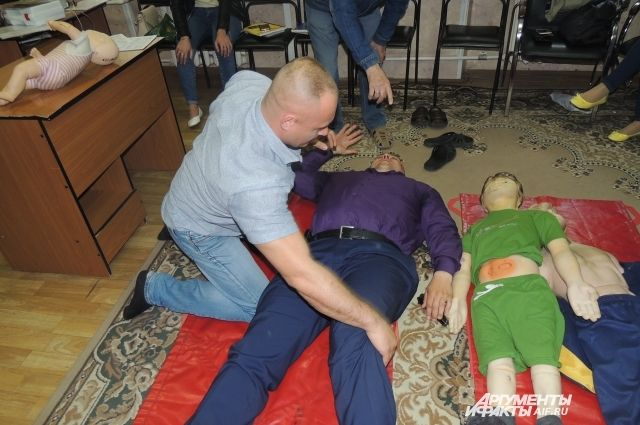«Дело рук самих утопающих». Чему учат на курсах первой помощи?