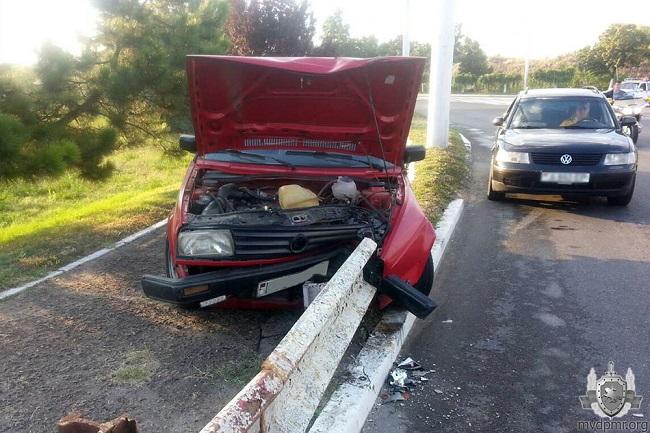 В двух ДТП в Приднестровье оказались сильно разбиты три машины (ФОТО)