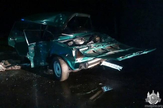 """Страшная авария в Каменке: молодой водитель """"Жигули"""" и девушка госпитализированы с серьёзными травмами (ФОТО)"""