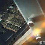 В Москве молдаванин украл и выбросил из окна сейф с 60 тысячами евро