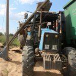 ДТП в Каушанах: поезд протаранил трактор (ФОТО)