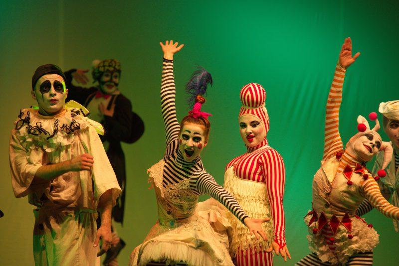 Студенческий дух современного театра