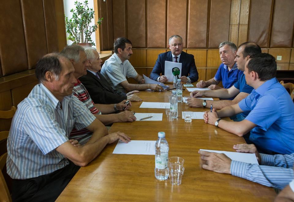 Молдавская Федерация шахмат единогласно поддержала кандидатуру Аркадия Дворковича на должность Президента ФИДЕ (ФОТО)