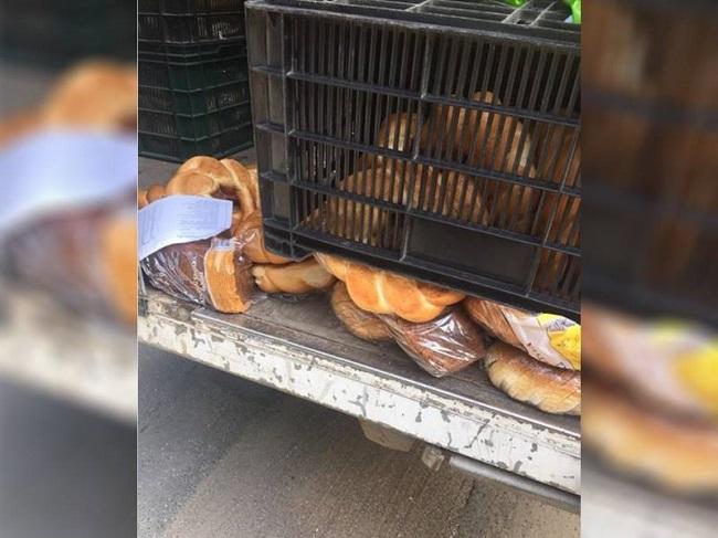 Шок, да и только: жительница Кишинёва показала, как доставляют хлеб в магазины (ФОТО)