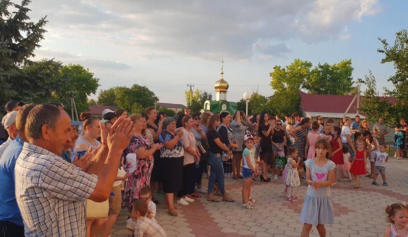 Президент и социалисты поздравили жителей села Бешгиоз с храмовым праздником (ФОТО)