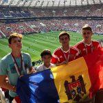 Додон принес флаг Молдовы на финал ЧМ-2018 по футболу и лично пожелал удачи президентам Франции и Хорватии (ФОТО)
