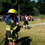 Спасатели обучили детей в лагерях правилам пожарной безопасности и показали, как тушить огонь (ФОТО)