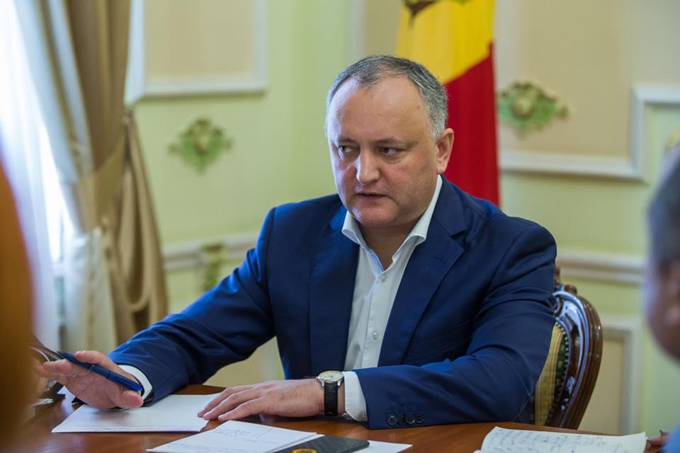 Додон совершает визит в Ереван: президент примет участие в Саммите франкофонии